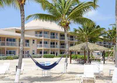 Holiday-Inn-Resort-Grand-Cayman