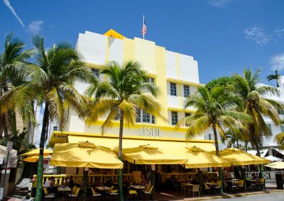 Leslie Hotel - 1937 art deco building.